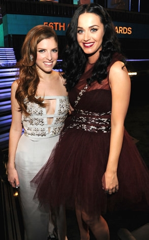Anna Kendrick and Katy Perry at the Grammys.